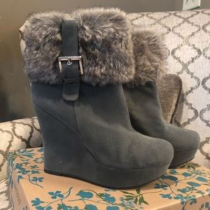 Bamboo Wedge Boots (Gray) with Faux Fur!
